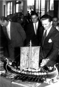 Kirk Douglas, 1958